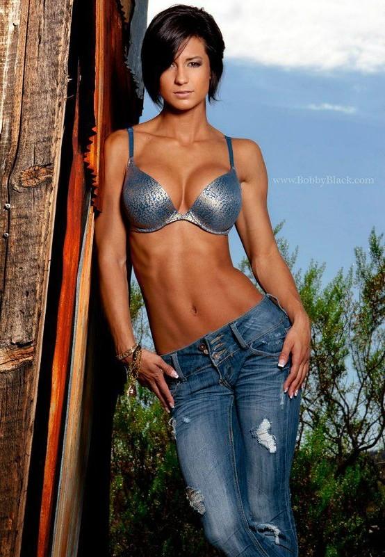 Victorias Secret model Bridget Malcolms workouts that