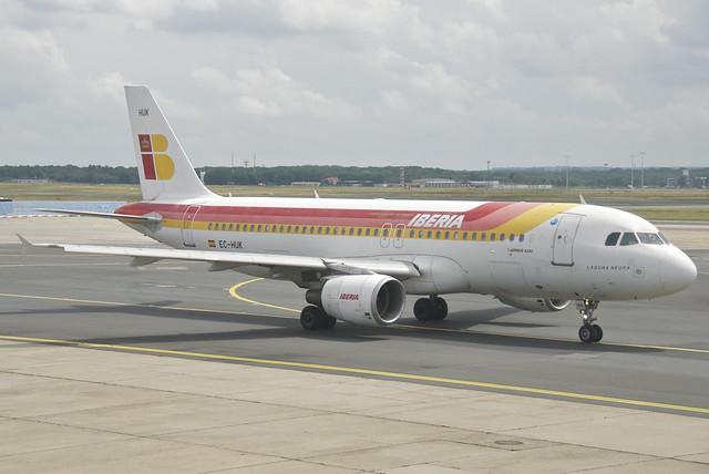 IBERIA Airbus A320-214; EC-HUK@FRA;01.07.2012/659bg