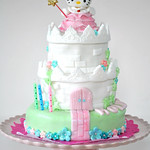 Princess Hello Kitty castle cake