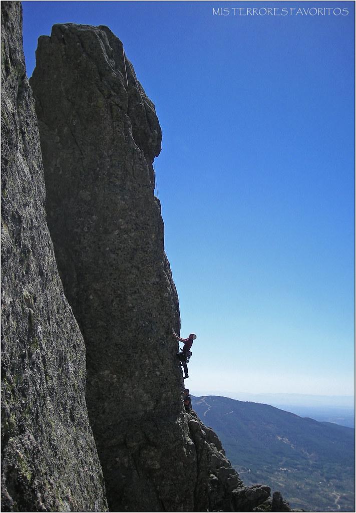 VÍA MUSGOMORFOSIS ED 220 m 6c+ - Aguja Fco.Galán - Pared Noroeste de Risco Gordo - Villarejo