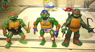"""TURTLE GAMES"" TEENAGE MUTANT NINJA TURTLES :: SUPER-SWIMMIN' RAPH xviii /  ..with original '88 Raphael & 2012 Nick Raphael  (( 1992 ))"