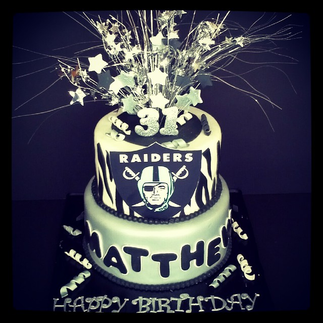 Pictures Of Raider Birthday Cakes