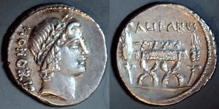 473/2a #09283-38 PALIKANVS Lollia Denarius. Honos, Curule chair, cornears. Rome 45BC.