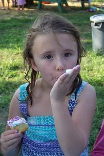 C7 eating a cupcake
