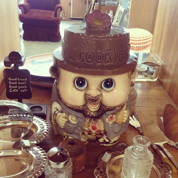 A hideous cookie jar I saw opshopping today