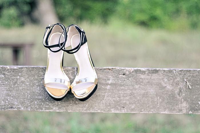 acupofmaiblackandgoldshoes-4