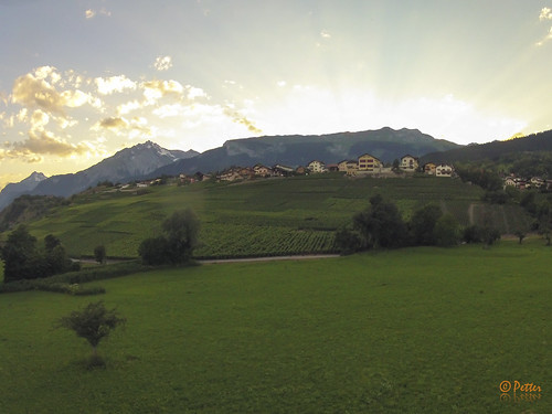 geotagged suisse che savièse cantonduvalais roumazsavièse geo:lat=4624656390 geo:lon=733848740