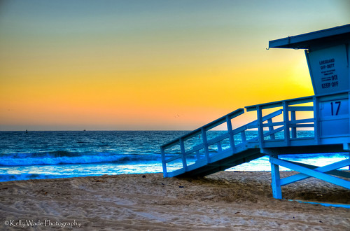 california sunset beach explore santamonicabeach lifeguardtower nikonkell nikond5000 kellywadephotography