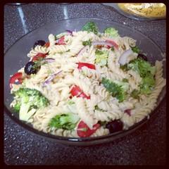spaghetti(0.0), produce(0.0), carbonara(0.0), pasta salad(1.0), salad(1.0), vegetable(1.0), food(1.0), dish(1.0), cuisine(1.0),