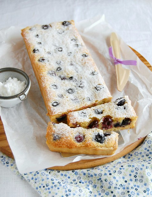 Blueberry and almond tart / Torta de amêndoa e mirtilos