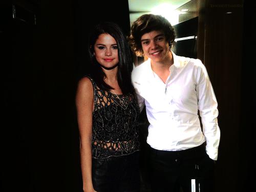 Backstage.// Harry Styles and Selena Gomez Manip [Sarry/Helena]