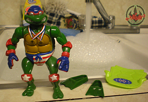 """TURTLE GAMES"" TEENAGE MUTANT NINJA TURTLES :: SUPER-SWIMMIN' RAPH i (( 1992 ))"