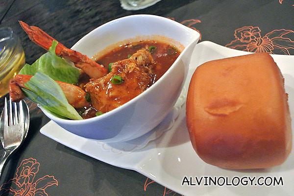 Ulu Ulu Chili Crab with Mantou