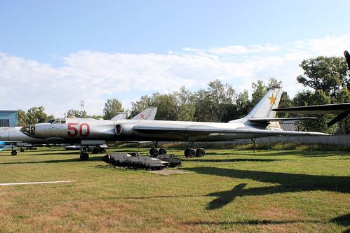 Tupolev Tu-16 50 red