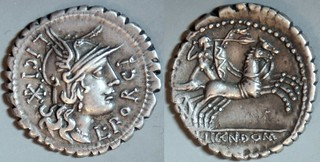282/5 L.LIC.CN.DOM, L.PORCI LICI  Licinia, Porcia Denarius. Roma, Bituitus in biga, holding shield and carnyx, and hurling spear. Gaul Narbo, 118BC.