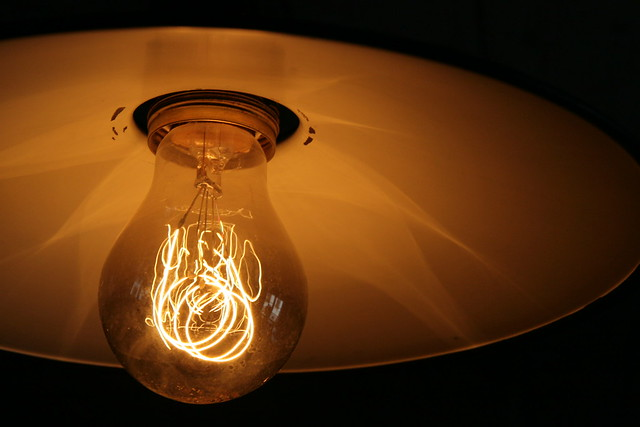Electrician's Tips on Cleaning Light Bulbs - GforceElectric