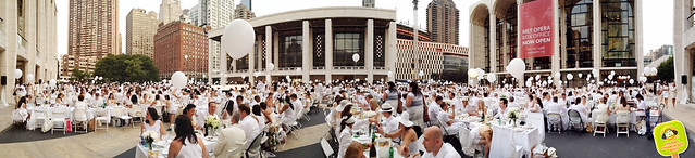 diner en blanc NYC 2012 lincoln center paronamic 1