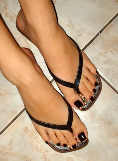 Sexy black feet and toes