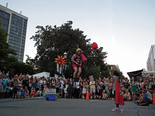 Ernest The Magnifique Performance at Toronto Buskerfest 2012