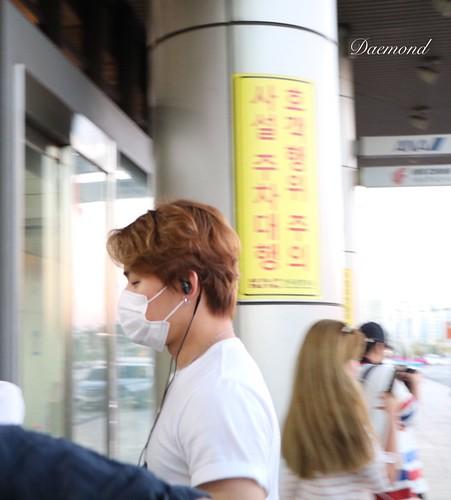 BIGBANG wout Seungri departure Seoul to Tokyo 2016-08-26 (64)