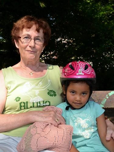 Waltraud und ihre Enkelin