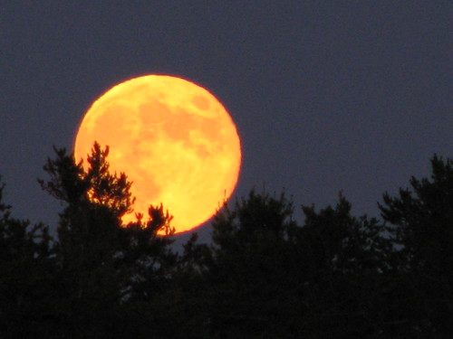 July 2012 Thunder Full Moon rising.....