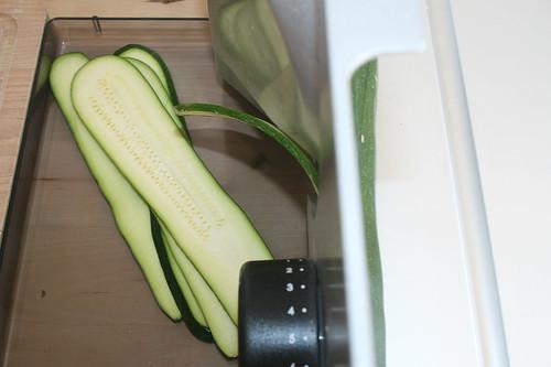 14 - Zucchini schneiden / Cut zucchini