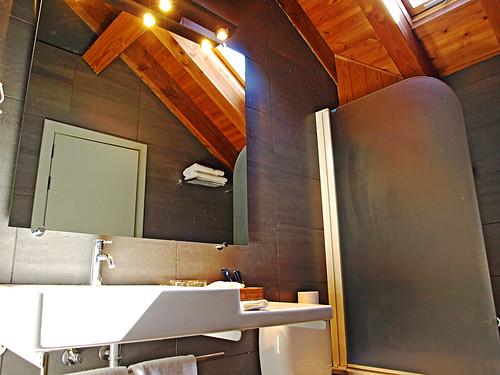 Bathroom, Hotel Roca Blanca, Espot, Catalonia