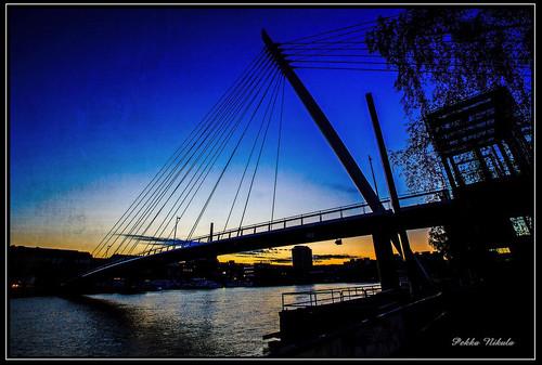 morning bridge sunrise tampere ratina silhuetti ratinansuvanto yökuva kävelysilta