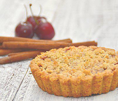 torta crumble di ciliegie e ratafia