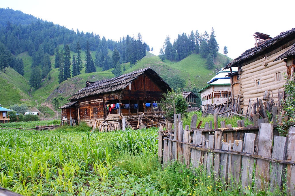 """MJC Summer 2012 Excursion to Neelum Valley with the great """"LIBRA"""" and Co - 7596147266 373e2388ce b"""