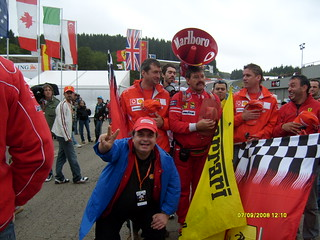 S6300142 WE THE FERRARI F1 FANS ... INSIEME