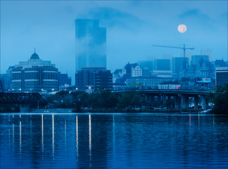 Albany Moonset