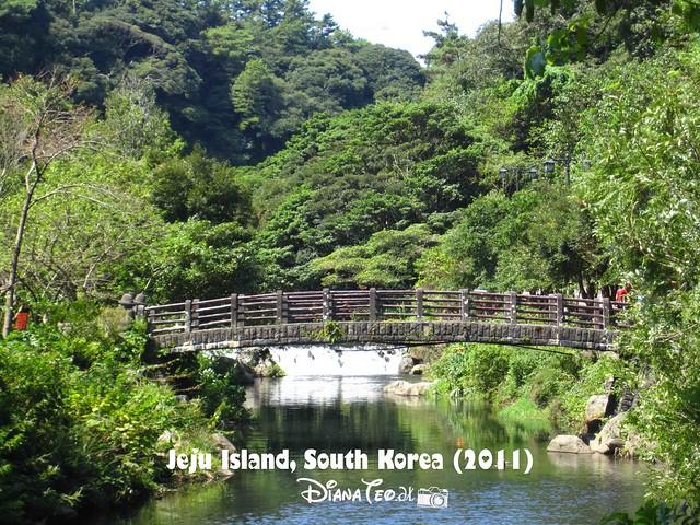 Cheonjiyeon Falls 02
