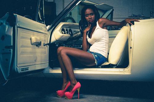 [フリー画像素材] 人物, 女性 - 黒人, 乗り物・交通 - 人物, アメリカ人 ID:201208151000