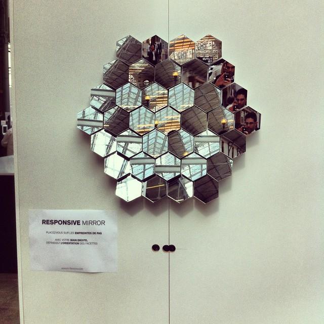 Un miroir multi facettes qui interagit avec vous - Miroir multi facettes ...