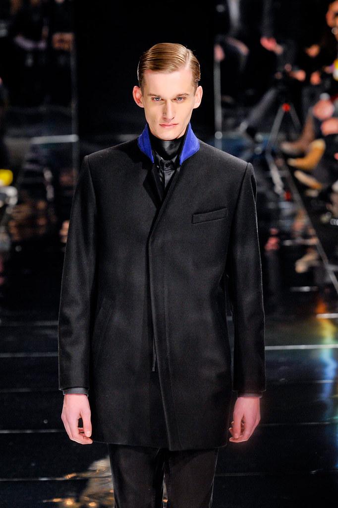 Dennis Jager3098_4_FW12 Paris Bill Tornade(fashionising.com)