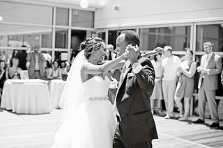 charleston-south-carolina-aquarium-wedding-58