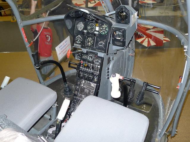 Cockpit: SE 318 C Alouette II