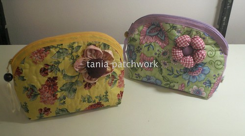 Necessaires ....só flores..... by tania patchwork
