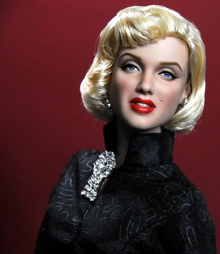 16-inch tonner Marilyn Monroe doll custom repaint by Noel Cruz
