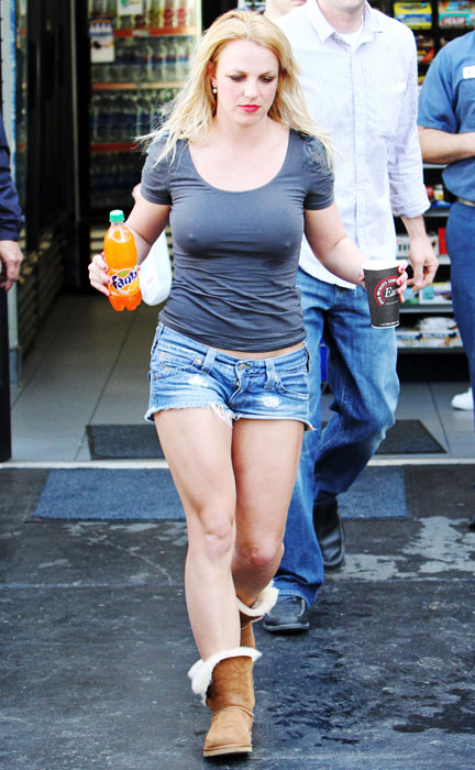 short shorts_daisy_dukes_gallery_FP_4718036_Spears_Britney_FP5_031910