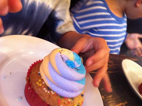 peace cupcake