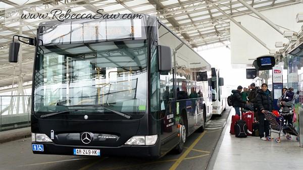 shuttle bus Paris Charles de Gaulle Airport - rebeccasaw (16)