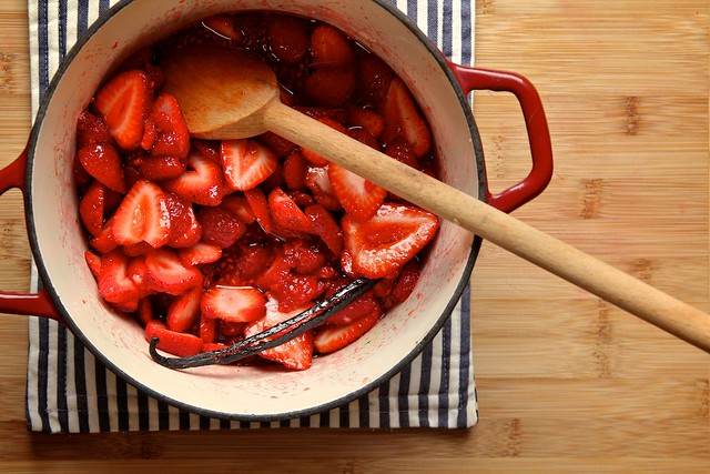 strawberry raspberry quick jam