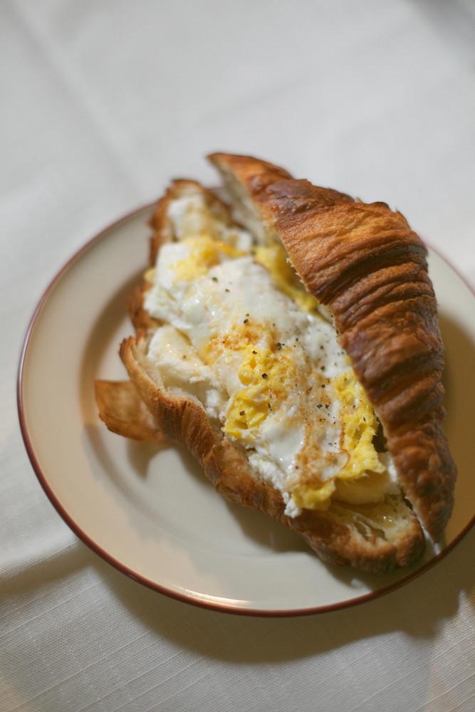 Croissant ricotta honey egg
