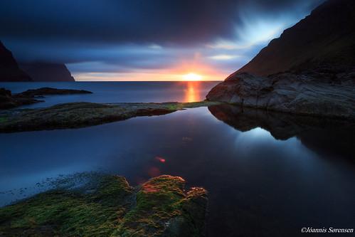 longexposure sunset sea sky cliff sun mountain mountains clouds faroeislands faroe føroyar færøerne viðareiði viðoy vidareidi