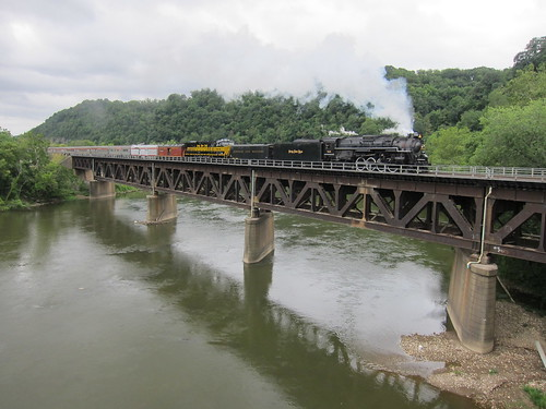 railroad bridge river pennsylvania ns engine steam beaver prr nickelplateroad nkp 284 765