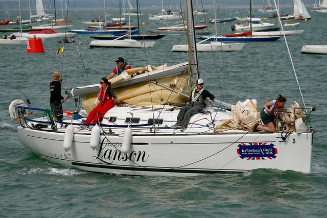 IOW-cowes-yachtladies