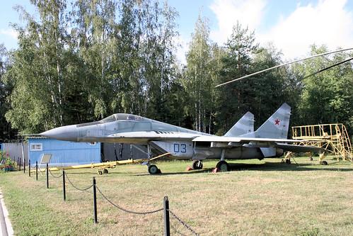 Mikoyan-Gurevich MiG-29 03 blue
